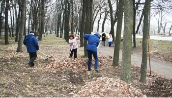 Компанія «РОСАВА» - весняне прибирання прилеглої території та території підприємства.